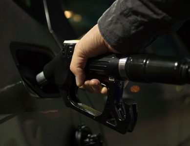 Illinois Bill Would Ban Adults from Pumping Their Own Gas